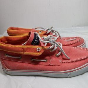 Sperry Top Sider sneakers. ➗